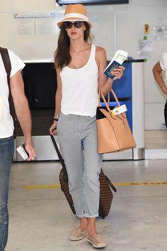 Look de aeropuerto: Alessandra Ambrosio