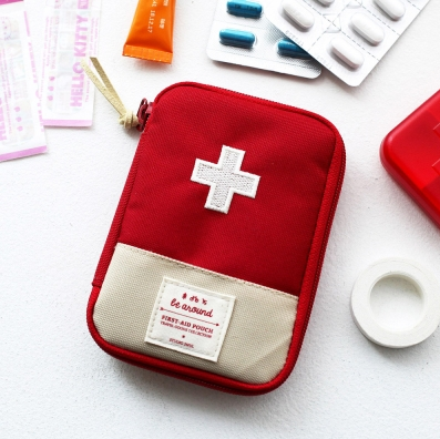 first-aid-pouch